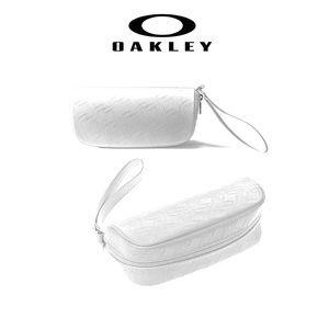 Oakley Wristlet: Zip-around Sunglasses Case